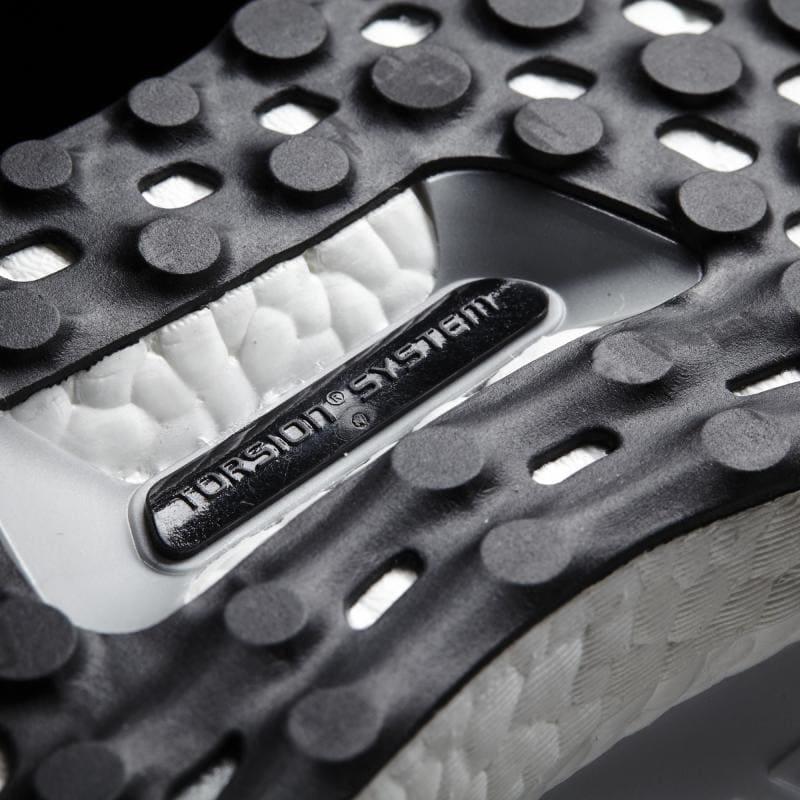 Що таке Nike Vaporfly і навіщо в бігових кросівках карбонова пластина? 10
