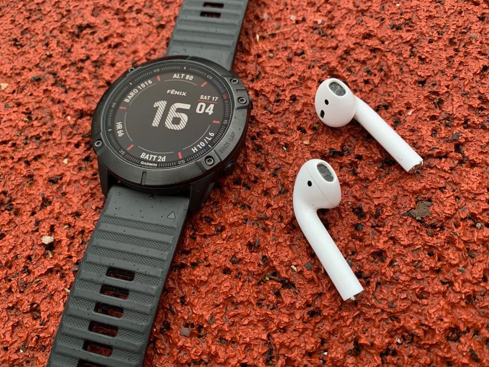 Garmin Fenix 6x Pro и наушники Apple AirPods