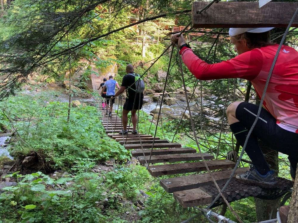 "Подвесной мост через водопад ""Кам'янка"""