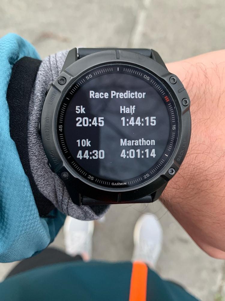 Оценка времени прохождения дистанций в часах Garmin